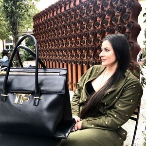 Authentic Tom Ford Large Icon Tote TPIS